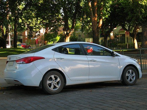 Hyundai Elantra 2012 Featured