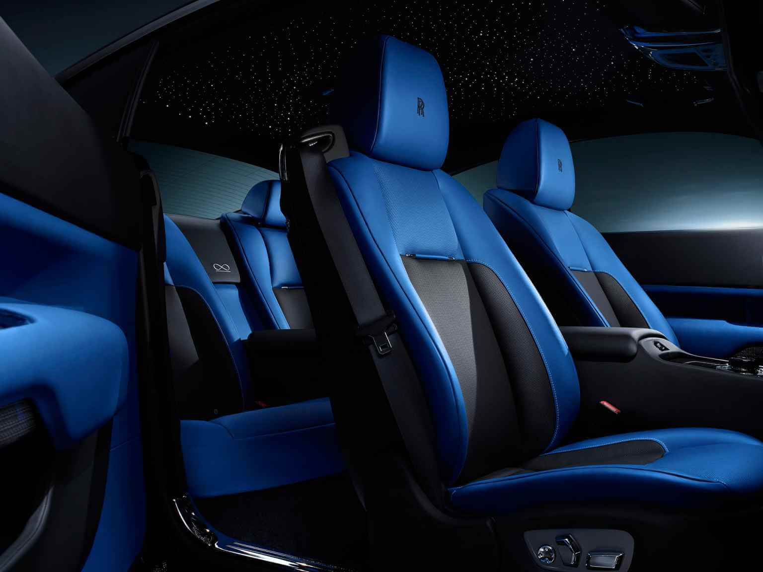 Rolls Royce wraith black badge seats